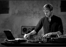 Richie Hawtin - MODEL 1 (PLAYdifferently)